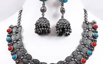 Simple Silver Necklace Set