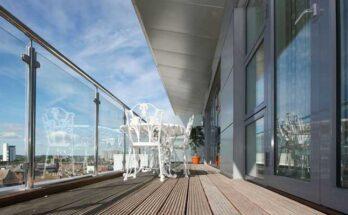 Frameless glass pool fencing Melbourne
